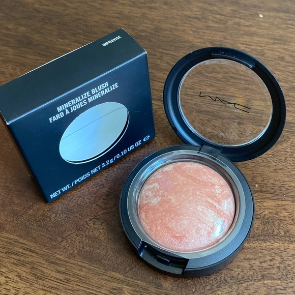MAC Improvise Mineralize Blush